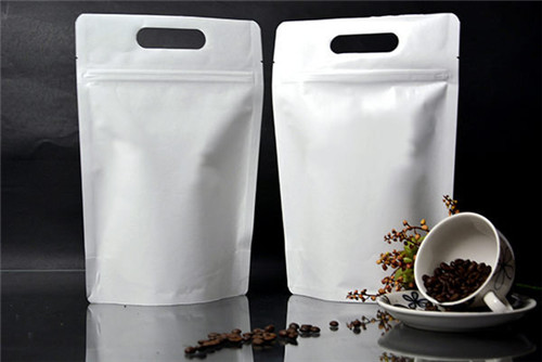 stand up pouch with handle